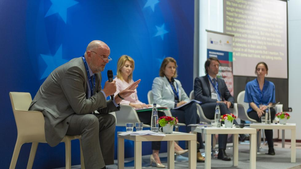 Cor J.W. Meijer moderating the second panel at the conference